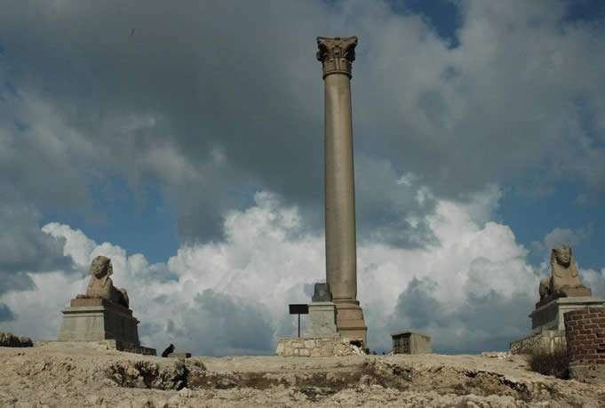 The Light Forces Ops In Egypt - Column Pompeius Magnus and Sphynxs